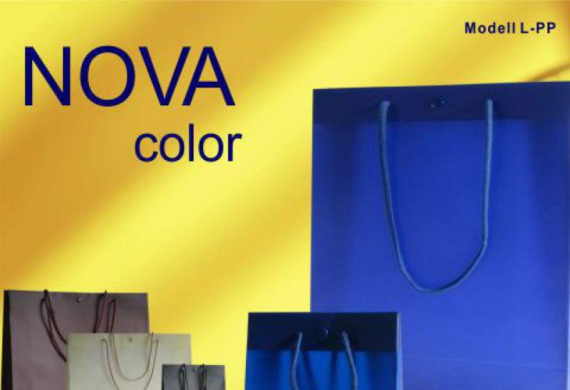 Kunststoff Taschen mit Kordeln exklusiv mit Druckknopf in den Farben blau grau boreaux und beige