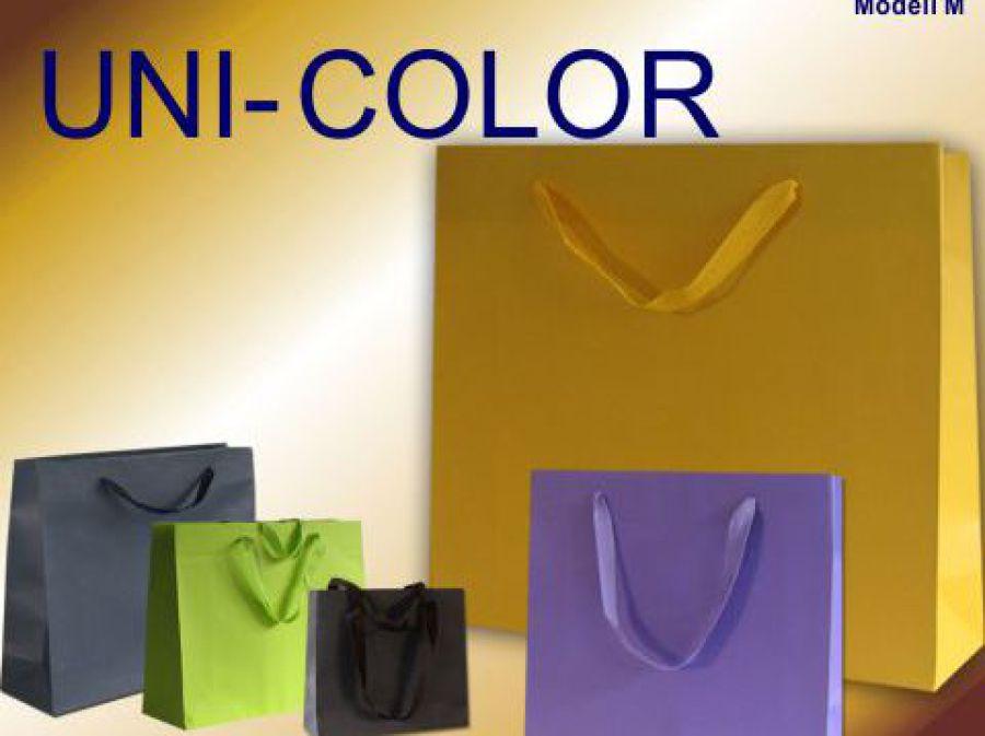 Papiertragetaaschen mit geknoteten Baumwollbänder in verschiedenen Farben