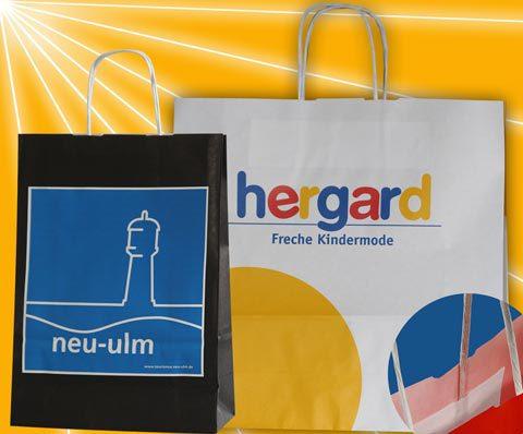 Papiertaschen mit Kordeln und Werbedruck für Firmen